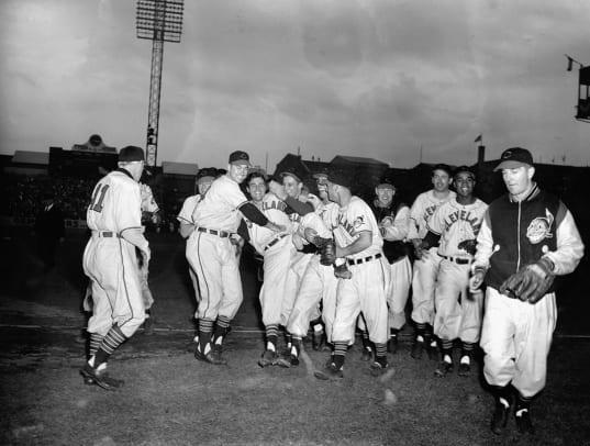 1948-World-Series-Cleveland-Indians-Bob-Lemon.jpg