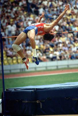 1976-0730-Bruce-Jenner-Decathlon-High-Jump-001095253.jpg