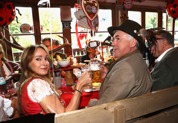 2016-Bayern-Munich-Oktoberfest-Carlo-Ancelotti-wife-Mariann-Barrena-McClay-611945008.jpg