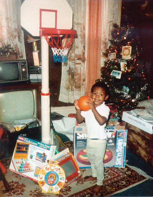 lebron-james-childhood-christmas-basketball.jpg