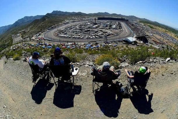 2016-0313-NASCAR-Sprint-Cup-Series-Good-Sam-500-fans.jpg