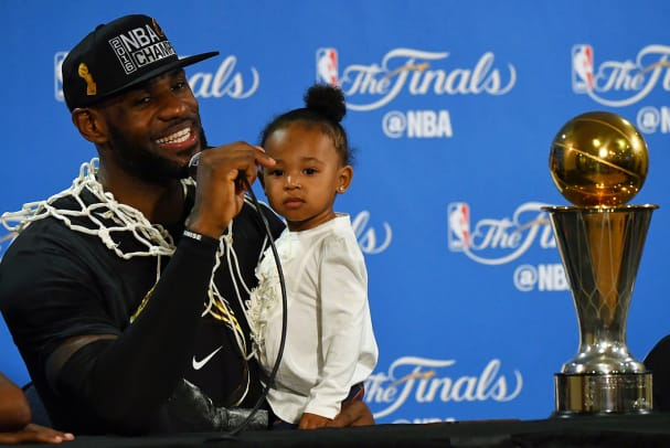 2016-0619-LeBron-James-daughter-Zhuri-SI146_TK1_11706.w.jpg