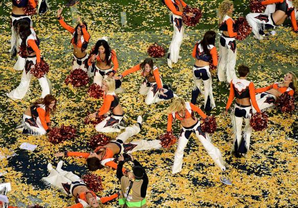 Denver-Broncos-cheerleaders-508992754.jpg