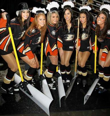ducks-power-player-ice-girls-GYI0062919125.jpg