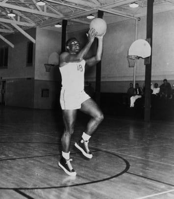 1939-Jackie-Robinson-UCLA-basketball.jpg