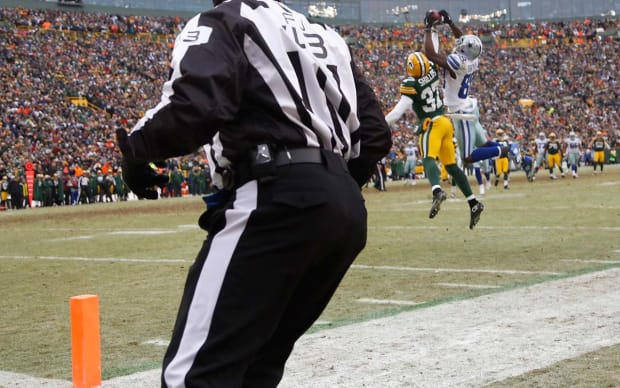 Dez-Bryant-catch-Tom-Lynn.jpg
