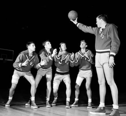 Clyde Lovellette, Bill Lienhard, Bill Hougland, Bob Kenney and Jerry Waugh