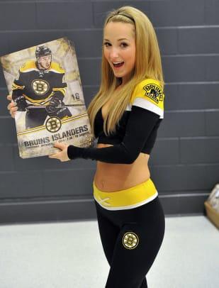 Boston-Bruins-Ice-Girls-147141023038_Islanders_at_Bruins.jpg