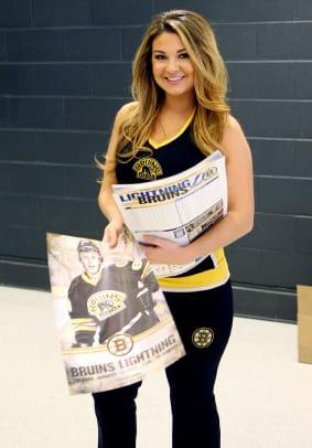 Boston-Bruins-Ice-Girls-482150113042_Lightning_at_Bruins.jpg