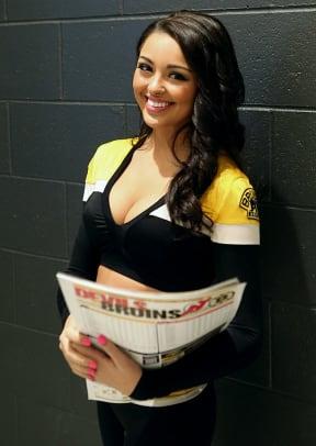 Boston-Bruins-Ice-Girls-482150108034_Devils_at_Bruins.jpg