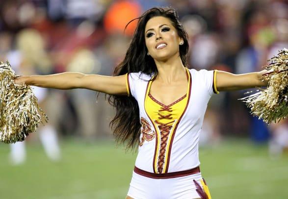 Washington-Redskins-cheerleaders-DAW140925118Giants_at_Redskins.jpg