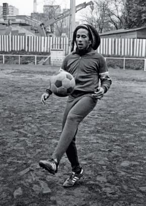 1977-Bob-Marley-soccer-practice.jpg