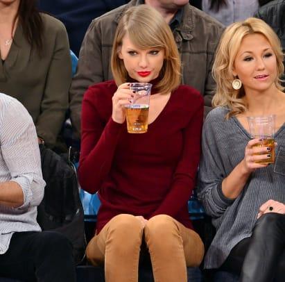 Taylor-Swift-Knicks-game-458901152.jpg