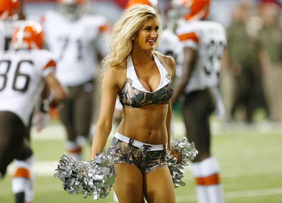 Atlanta-Falcons-cheerleaders-AP358297603292_4.jpg