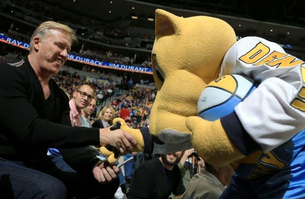 2012-john-elway-nuggets-mascot-rocky.jpg