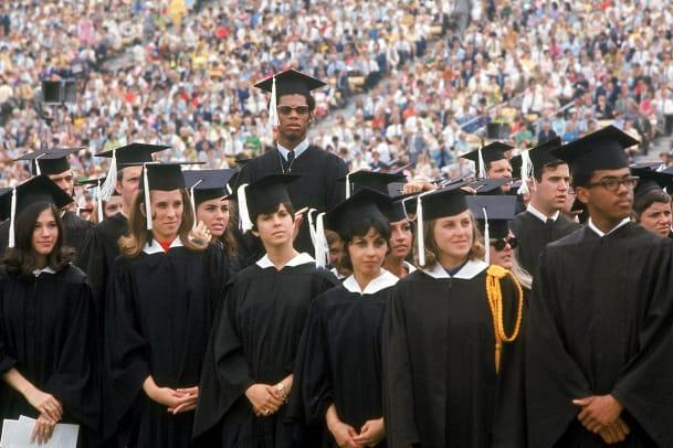 1969-Lew-Alicindor-Kareem-Abdul-Jabbar-graduation-001297064.jpg