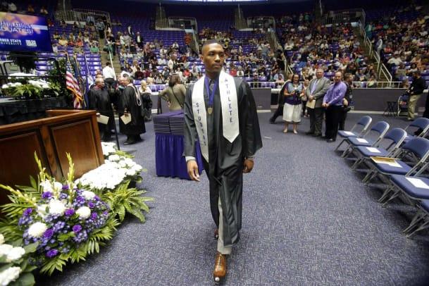 2015-Damian-Lillard-graduation.jpg