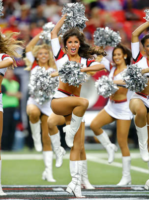 Atlanta-Falcons-cheerleaders-488151129_0708_Vikings_at_Falcons.jpg