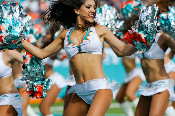 Miami-Dolphins-cheerleaders-796151206016_Ravens_at_Dolphins.jpg
