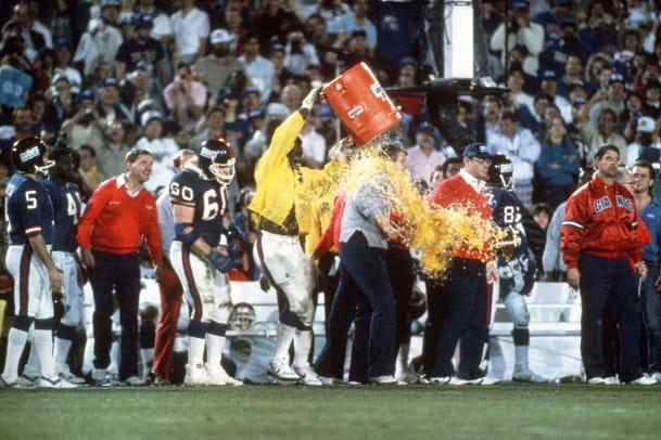 1987-Super-Bowl-XXI-Gatorade-shower-Bill-Parcells-Harry-Carson.jpg