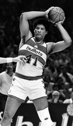 Wes Unseld (age 23)