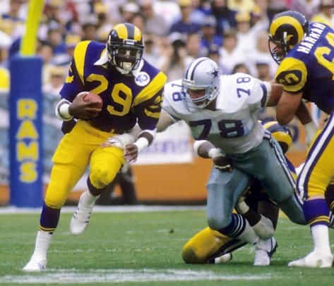 Eric Dickerson: 2,105 yards