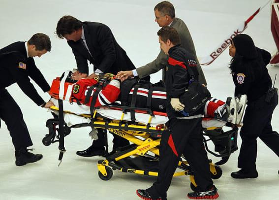 marian-hossa-stretcher.jpg