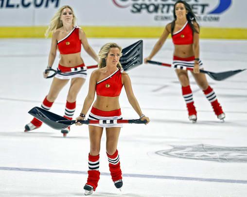 blackhawks-ice-crew-164100910016.jpg