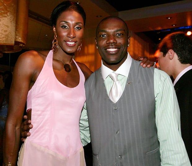 Terrell Owens dating Kenya dating regler 2012 online subtitrat