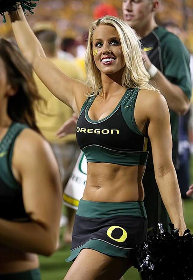 Oregon Cheerleaders - Sports Illustrated
