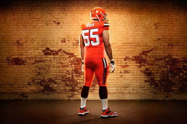 Cleveland Browns new uniforms revealed - Sports Illustrated