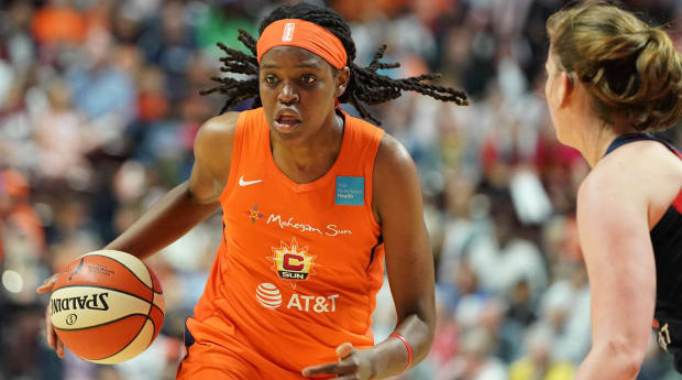 What Happens to the WNBA MVP Race as Jonquel Jones Leaves for EuroBasket?