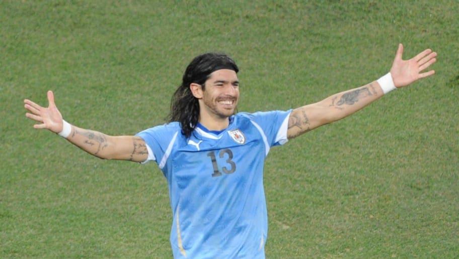 Report: After Playing for 31 Clubs, Sebastián Abreu Retires