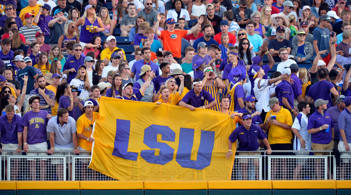 Report: LSU Plans to Allow Full Fan Capacity Attendance at Stadiums