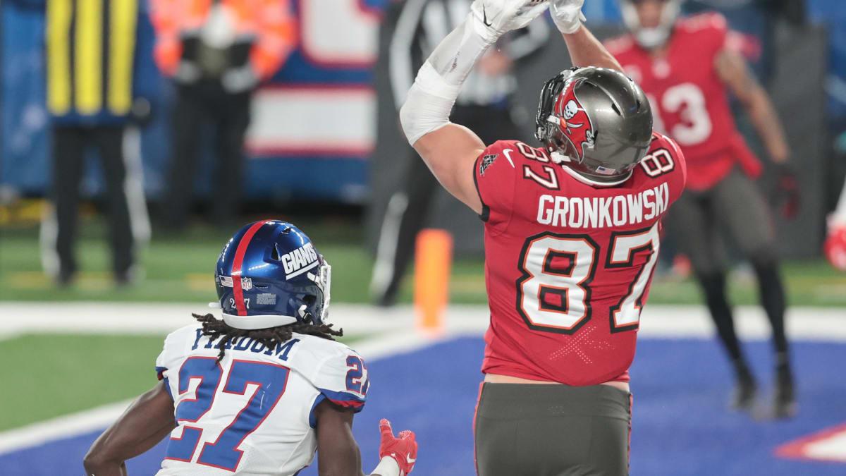 Week 12 DraftKings Monday Night Showdown and Best Bets: Rams vs. Buccaneers image