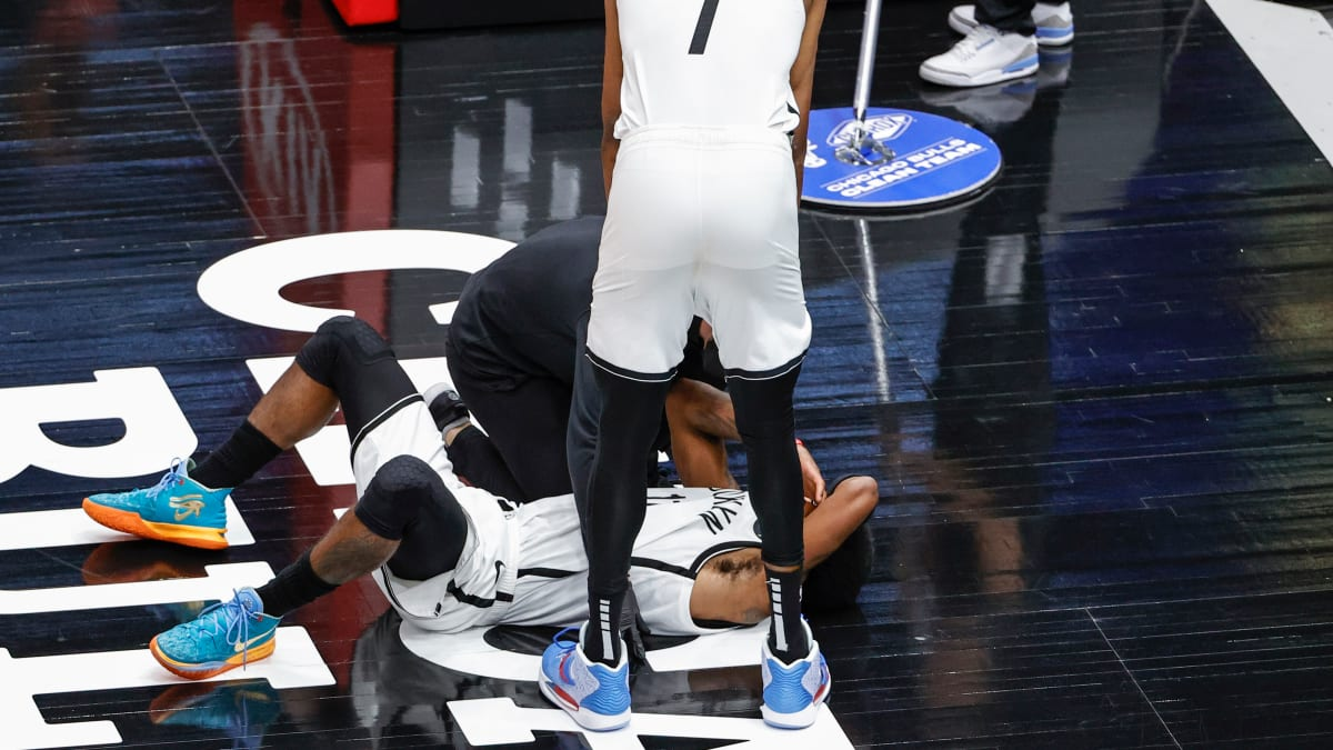 Nets' Kyrie Irving Leaves Game With Facial Injury Against Bulls