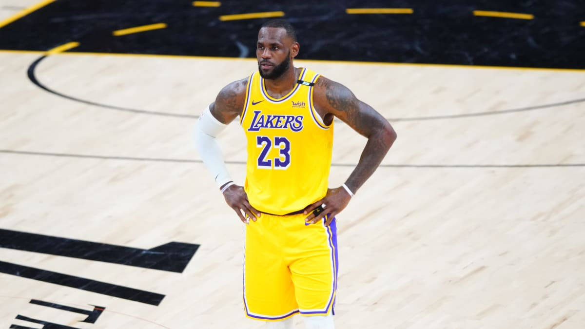 Report: LeBron James to Change Jersey to No. 6 in 2021–22