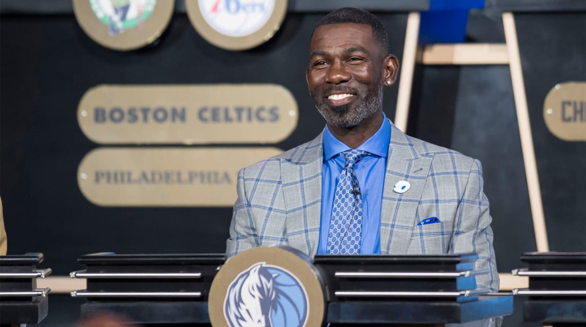 Report: Michael Finley Emerges as Mavs Head of Basketball Operations Candidate