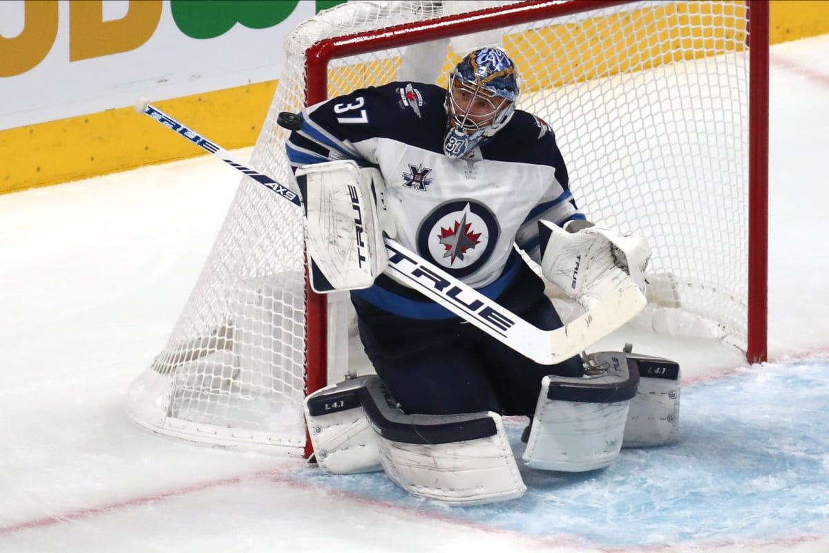 Fantasy Hockey: Time to Touch upthe Blue Paint