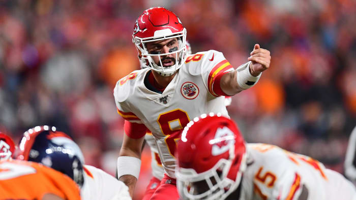 Chiefs' Supporting Cast Steps Up After Mahomes Injury in Win Over Broncos