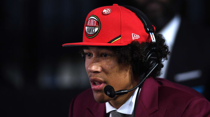 Trade Grades: An Extension of the AD Deal, Pelicans-Hawks Swap Shapes Two Futures