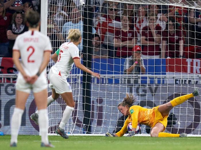 Understated USA GK Alyssa Naeher Makes Her Women's World Cup Statement