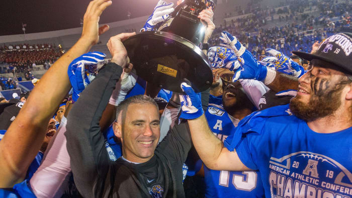 Late TD Lifts Memphis Over Cincinnati in AAC Championship Game
