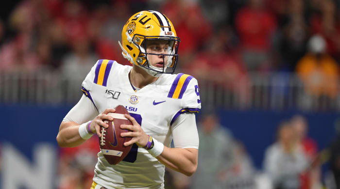 Joe Burrow and Justin Fields Headline List of Heisman Trophy Finalists