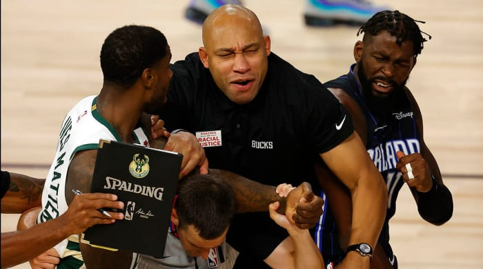 marvin-williams-james-ennis-scuffle
