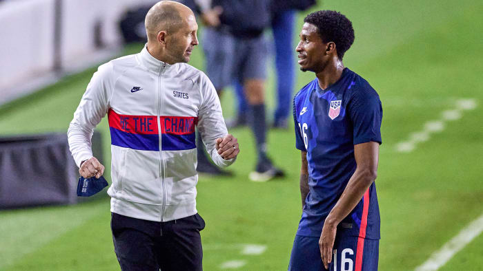 US MNT coach Gregg Hereafter and right back Kyle Duncan