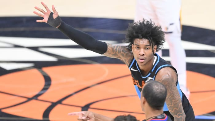 Kevin Porter Jr. spoke to an official while the Cleveland Cavaliers played jazz in Utah.