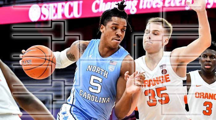 Armando Bacot of UNC dribbles against Syracuse