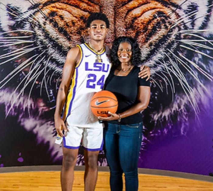LSU's Cameron Thomas with his mother, Leslie