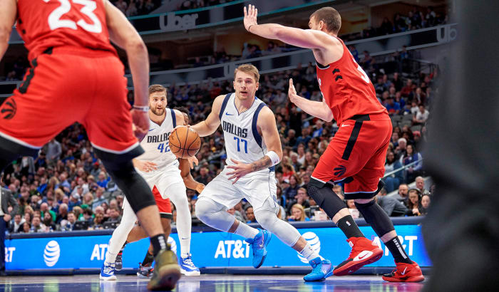 Jau pēc trim sezonām Dončičs karjeras trīskāršo dubultspēļu sarakstā ieņem 11. vietu ar 36 punktiem.